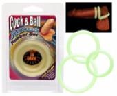 Kroužky na penis a varlata svítící ve tmě pastelově zelená