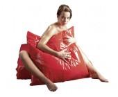 Lakovaný červený povlak na polštář Orgy