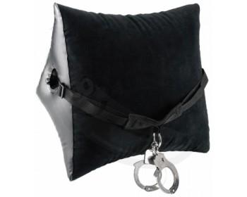 Fotka 1 - Černý nafukovací polštář s popruhem a pouty